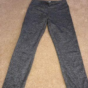 grey cropped workout leggings